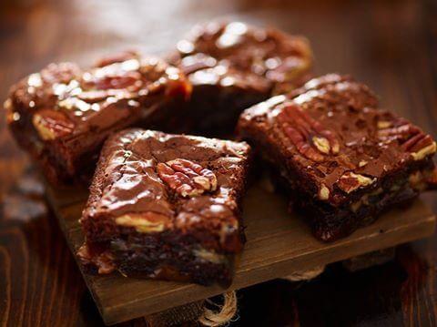 Ooey_Gooey_Caramel_Pecan_Brownies