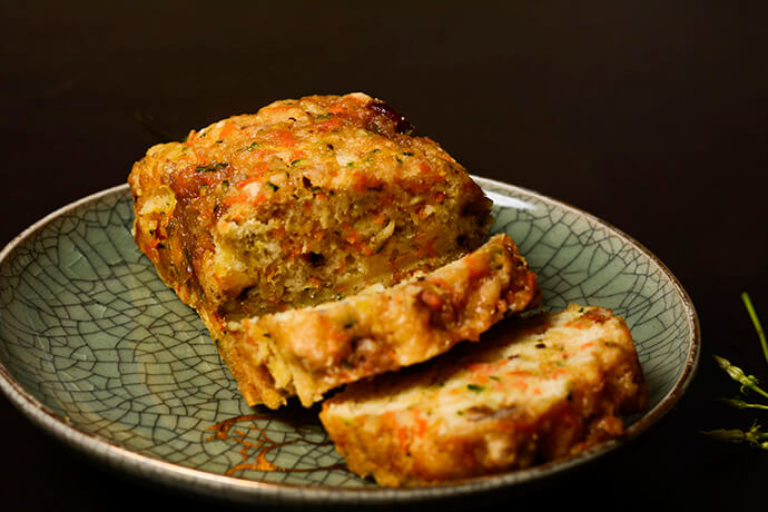 zucchini-and-carrot-mini-beer-bread-loaves-11