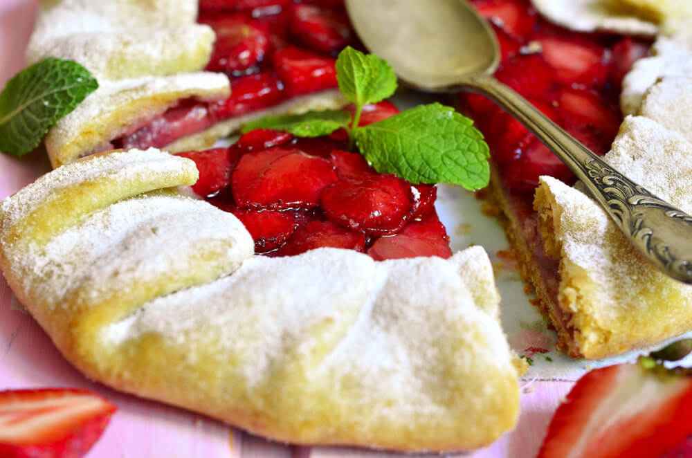 strawberry-galette-slice-of-heaven-apple-pie-za