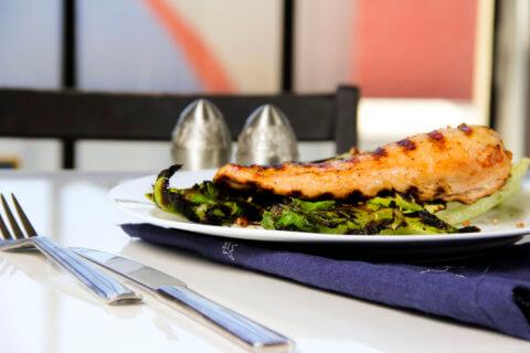 grilled-chicken-grilled-romaine-meditteranean-seasoning-1024x682