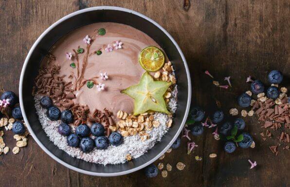smoothie bowl featuring Crave It 0 Sugar premium smoothz blend